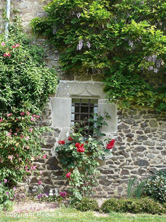 A 2mn de Bécherel : magnifique propriété du XVIIème avec piscine