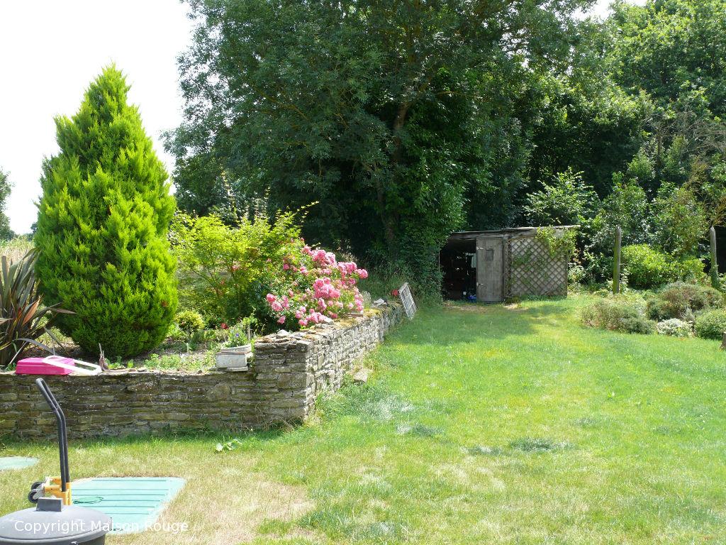 A 10mn de l'axe Rennes/Saint Malo : belle maison en pierre sur 4500m² de jardin