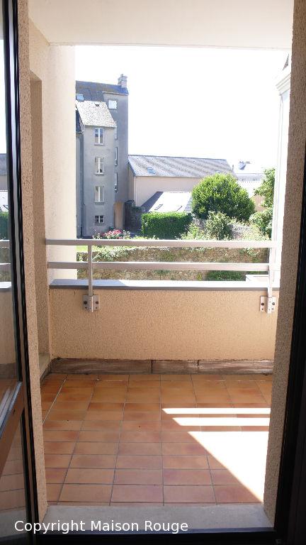 St Servan - Bas Sablons Spacieux T1 bis avec garage et balcon