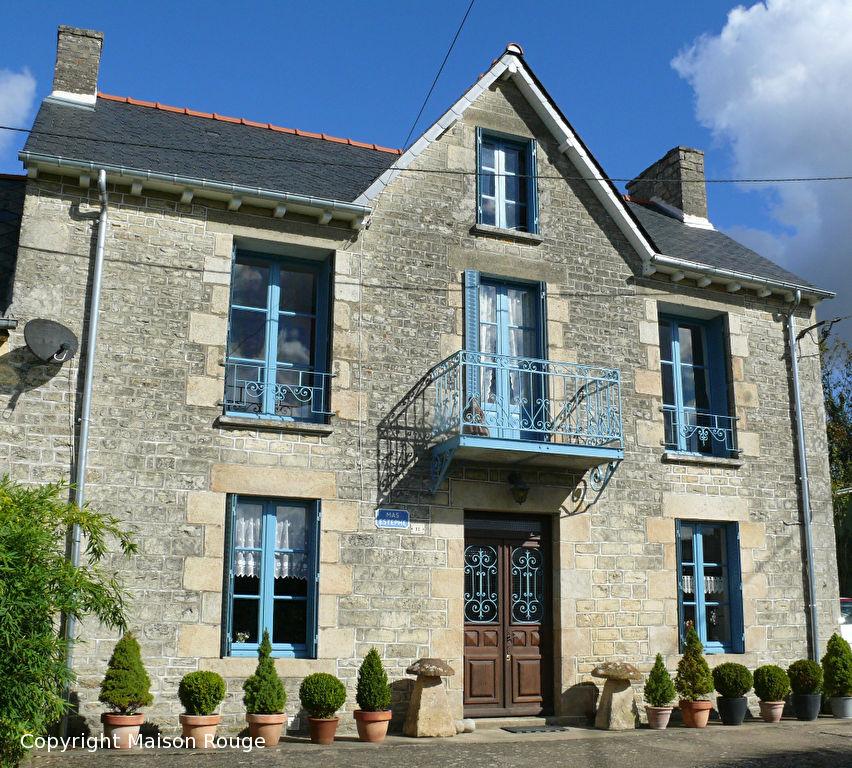 A 5mn d'Evran : jolie maison avec jardin