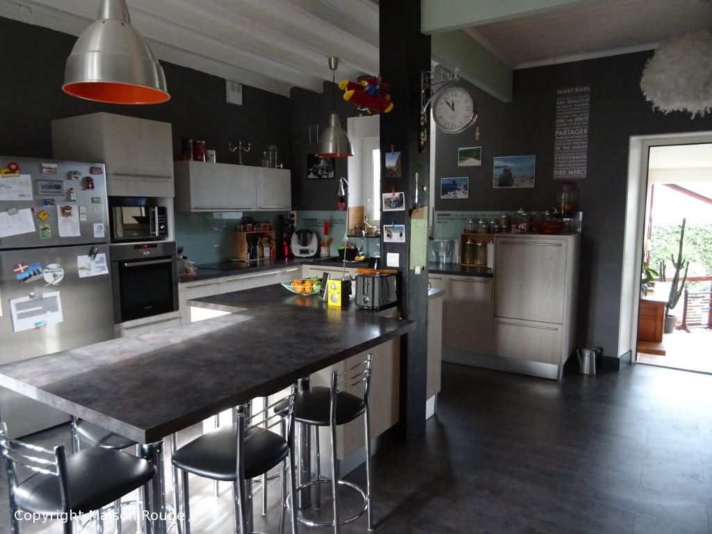 Vallée de la RANCE : Propriété de famille située en centre ville
