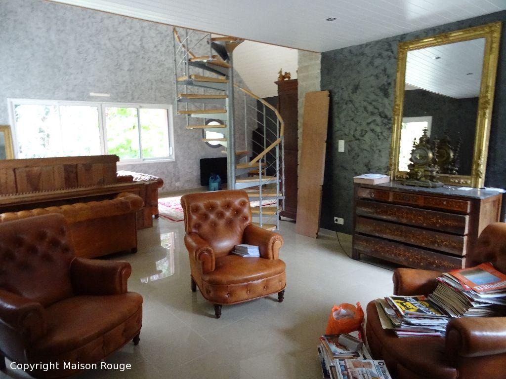 Spacieuse maison contemporaine de 6 pièces à acheter