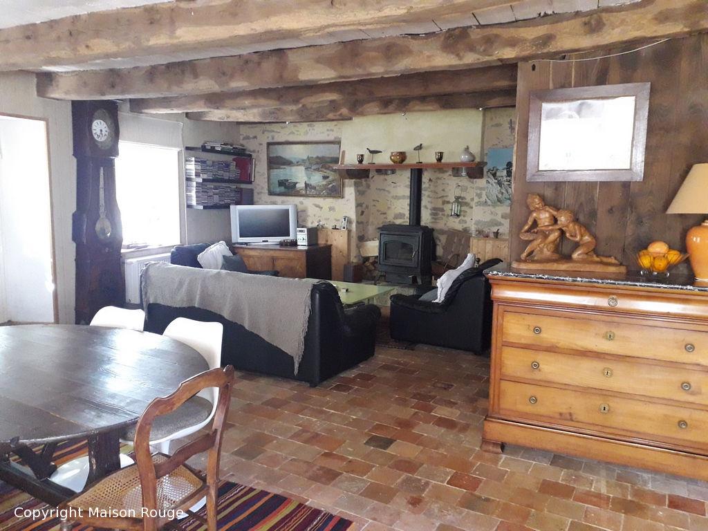 Authentique maison de pierres rénovée sur les bords de Rance