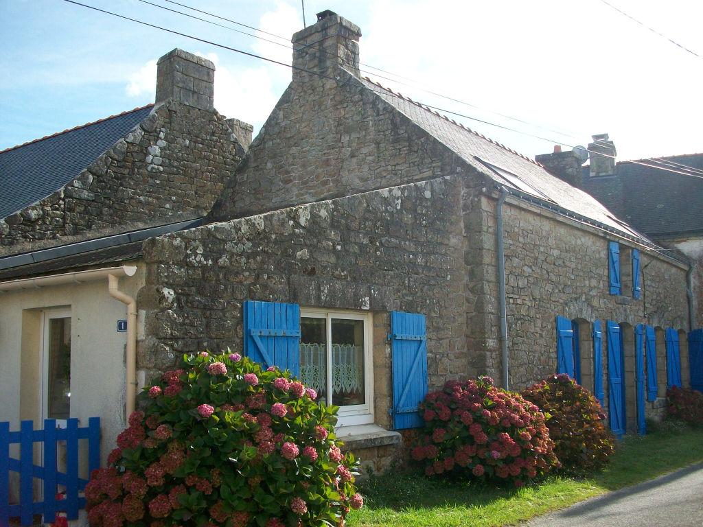 Maison Belz 5 pièce(s) Maison de pays en pierres avec terrasse et jardinet
