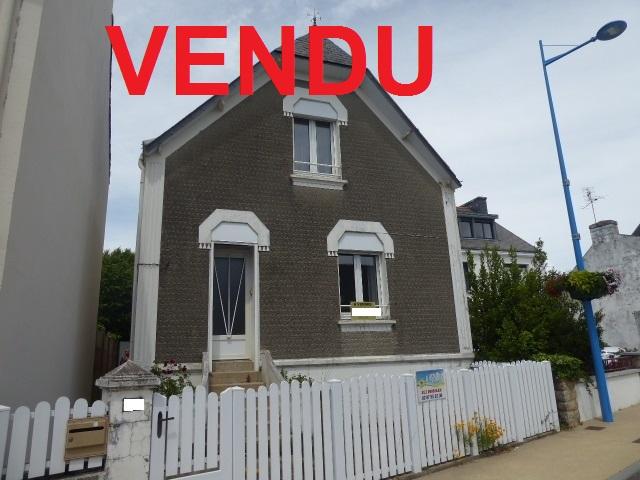 Maison de pays à rénover 90 m² MORBIHAN SUD 56410 ETEL dépendances ET terrain de 447m²