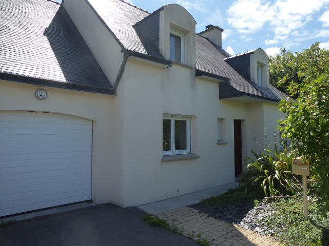 Maison Erdeven 56410  5 pièce(s) proche du cente contemporaine EN BON ETAT de 4 chambres dont 1 au rdc jardin de 736m²