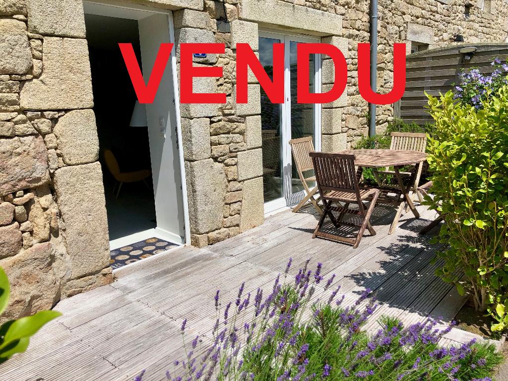 Morbihan sud entre Lorient et Vannes Belz à 500m des commerces Maison rénovée 100% pierres