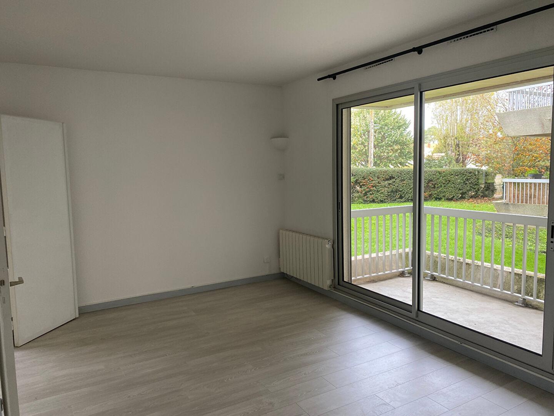 T2 VIDE avec balcon - Quartier la Genette