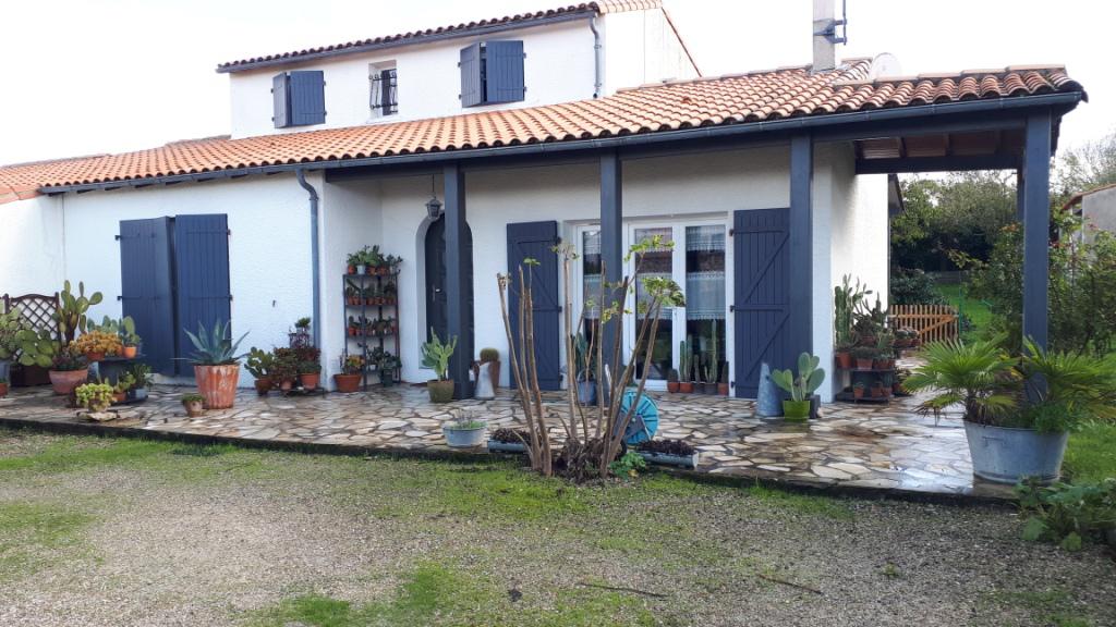 Maison Lagord 6 pièce(s) 139 m2