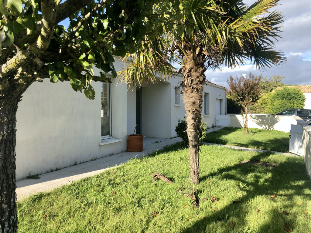 Maison DOMPIERRE SUR MER 5 pièce(s) 142 m2