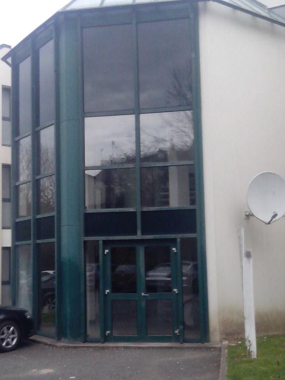 A VENDRE à Quimper 200 M2 de bureaux avec parkings
