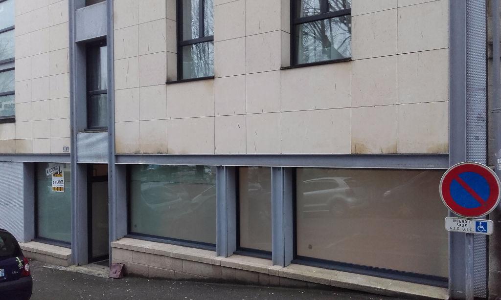 A VENDRE bureeaux Quimper 88 m2 bonne visibilité-parkings
