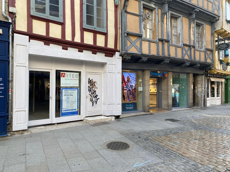A louer local commercial de 140 m² ,Emplacement N°1 dans le centre historique de Quimper