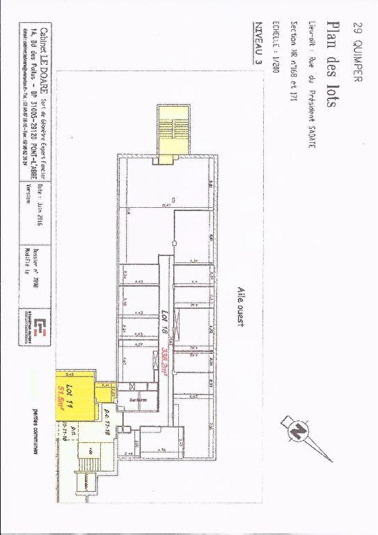A vendre murs, un plateau de bureau, un locataire en place 8324 € /A. Quimper 29000 ,