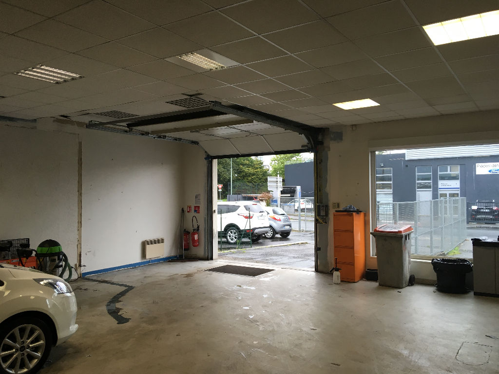 Brest Kergonan local commercial  385m² en location