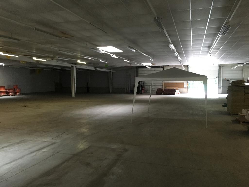 A louer KERGARADEC surface d'activité de 1500 m²