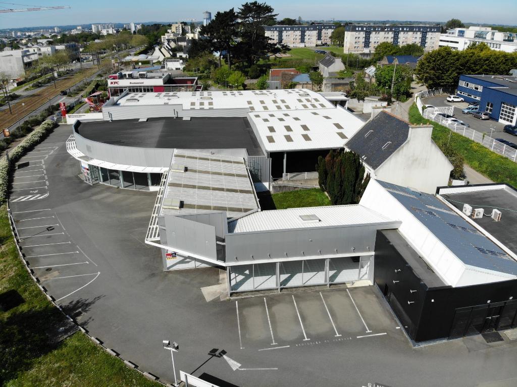 Vente et Location locaux  d'activité /commerciaux à Brest ( 4 086 m²)