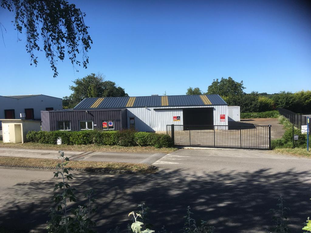 A louer Entrepôt / local industriel de 450 m² Quimper Tryalarc'h 29 000