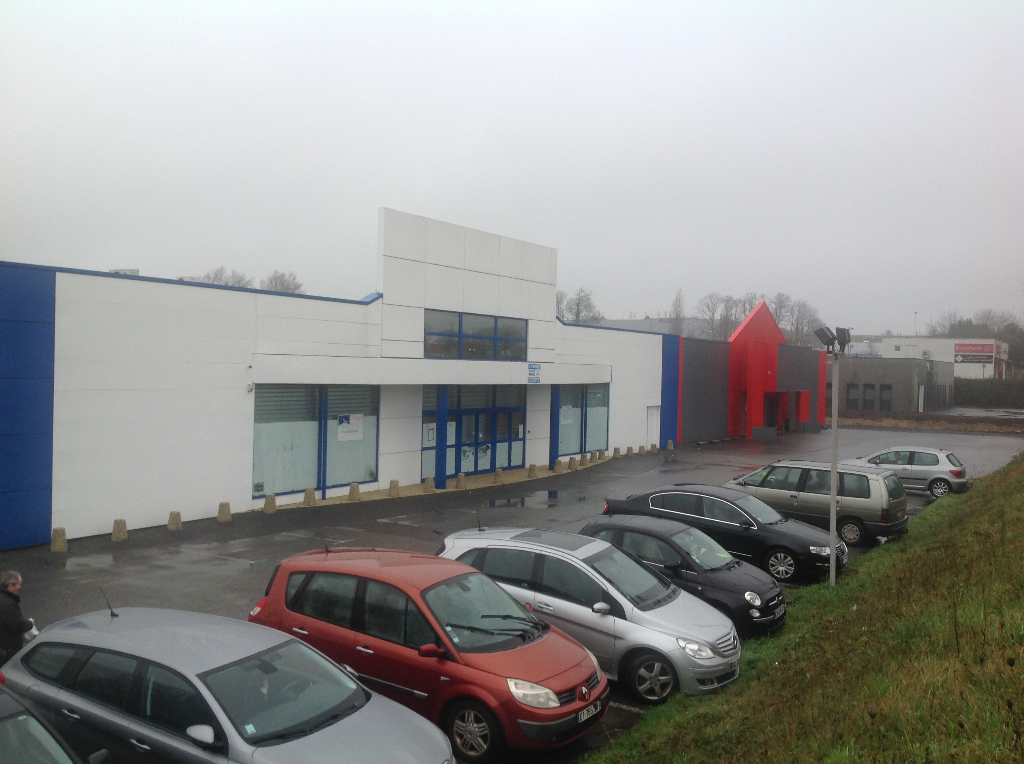 Local commercial Concarneau 2060 m2