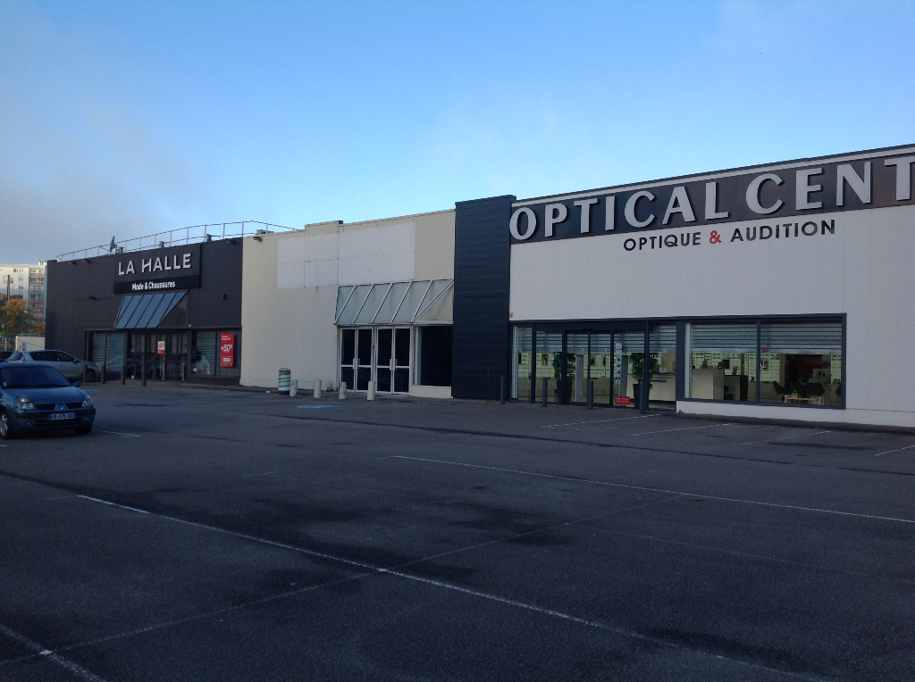 BREST ( Boulevard de Plymouth)Local commercial 525 M²