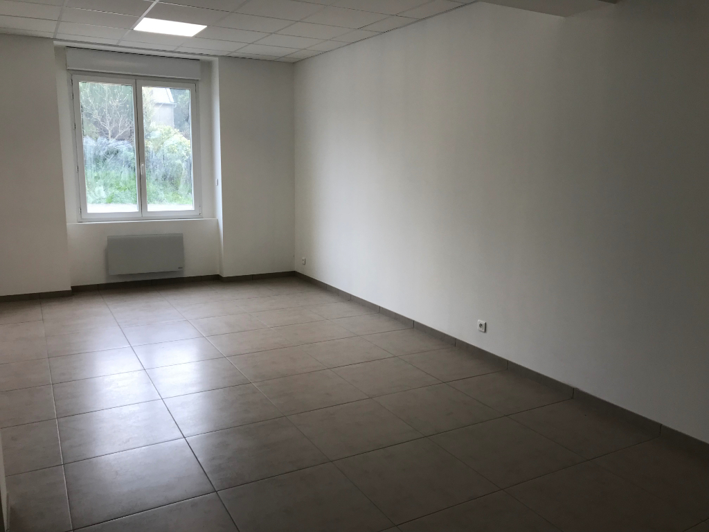 A louer Bureaux 75 m² Brest Lambezellec.