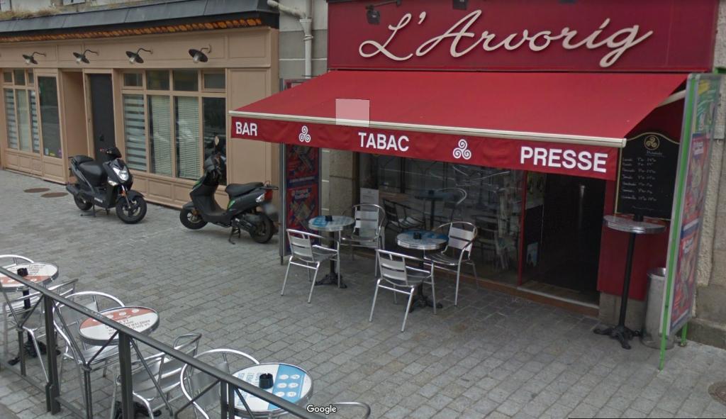 À VENDRE FONDS DE COMMERCE  activité de bar tabac presse loto QUIMPER 29000
