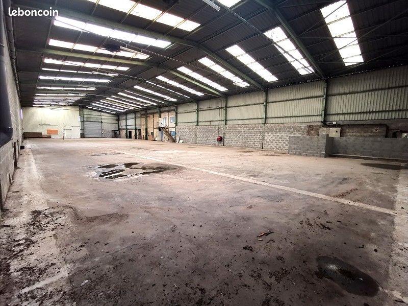 Brest Kergaradec  entrepôt 1720M² Location