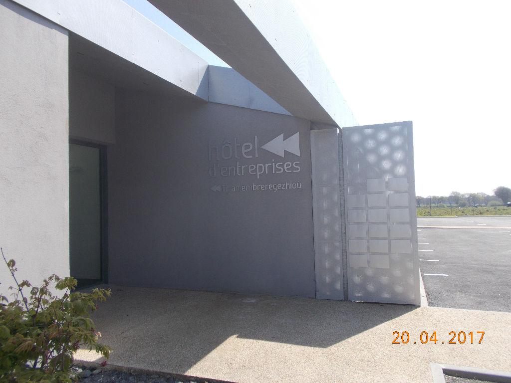 PLOUDANIEL - ZAE KERNO PARCOU - Hôtel d'entreprises (bureaux à louer)