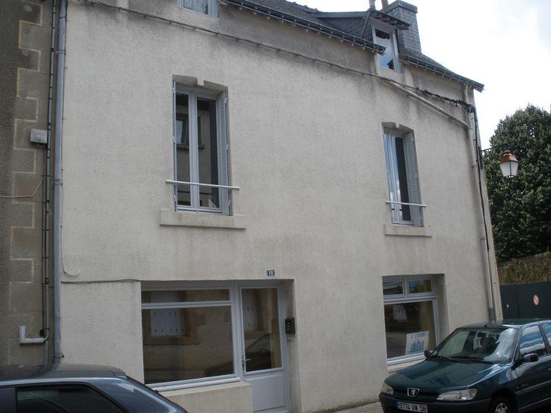 A Vendre maison Pontivy centre ville Bretagne Morbihan 4 chambres cour intérieur dépendance