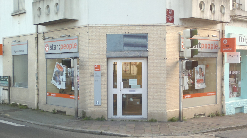 A louer Pontivy Bretagne Morbihan Local commerical d'une superficie de 35 m²