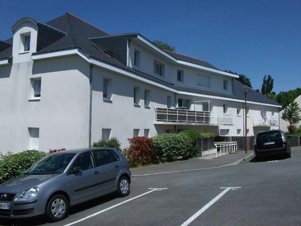 A LOUER Pontivy Bretagne Morbihan Appartement T2 de  56.20 m² Balcon,cave,parking privé.