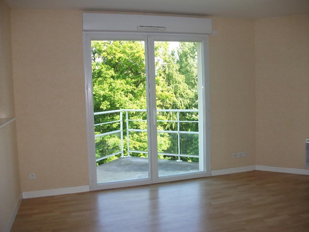 A louer Pontivy  Bretagne Morbihan appartement T3 62 m2 calme