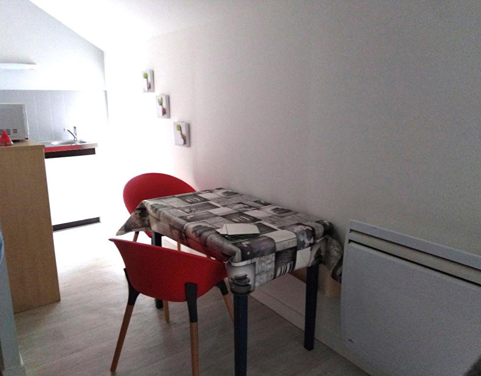 A Louer Pontivy Bretagne Morbihan studio meublé de 25 m²