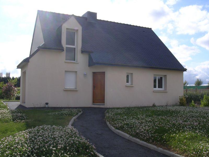 A Louer à Bréhan Bretagne Morbihan  maison T5 94 m² 4 chambres sous sol complet  garage 3 voitures
