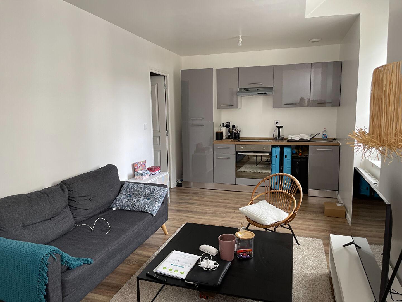 A louer Bretagne Morbihan Pontivy petit appartement T2 entièrement refait à neuf en centre ville