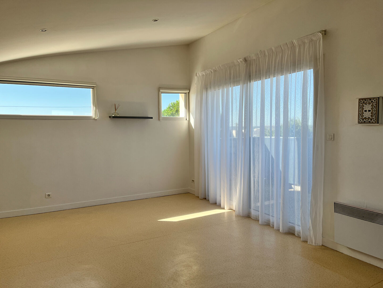 A louer Pontivy Bretagne Morbihan beau studio équipé de 29.20 m2 avec balcon terrasse