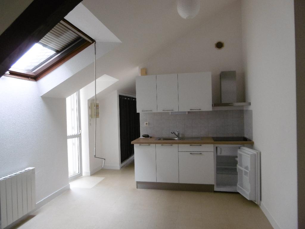A louer Bretagne Morbihan Pontivy, appartement de type 2 proche des commodités et du centre ville