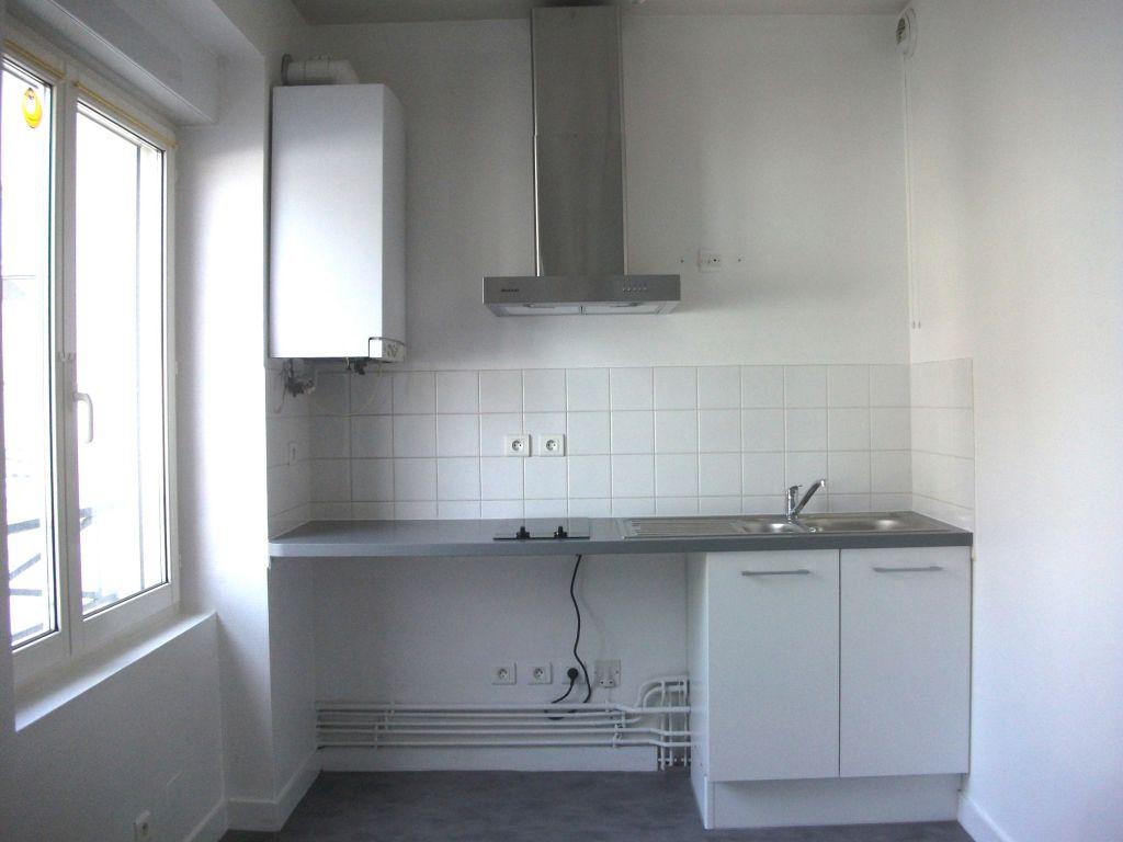 A Louer Pontivy Bretagne Morbihan appartement  2 pièces 40 m2 dans résidence centre ville avec garage