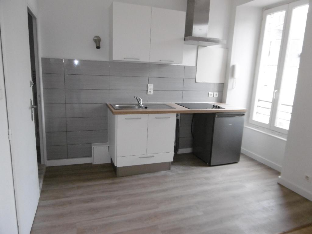 A Louer 56300 Bretagne Morbihan Pontivy appartement 2 pièces 26,65 m² en centre ville