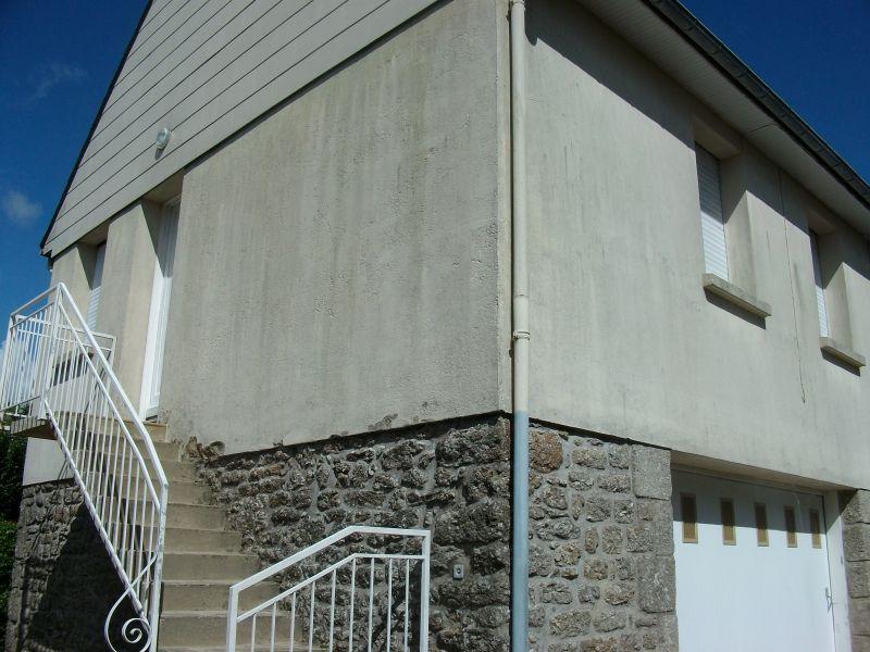 MAISON T2 AVEC COUR ET GARAGE EN CENTRE VILLE AU CALME