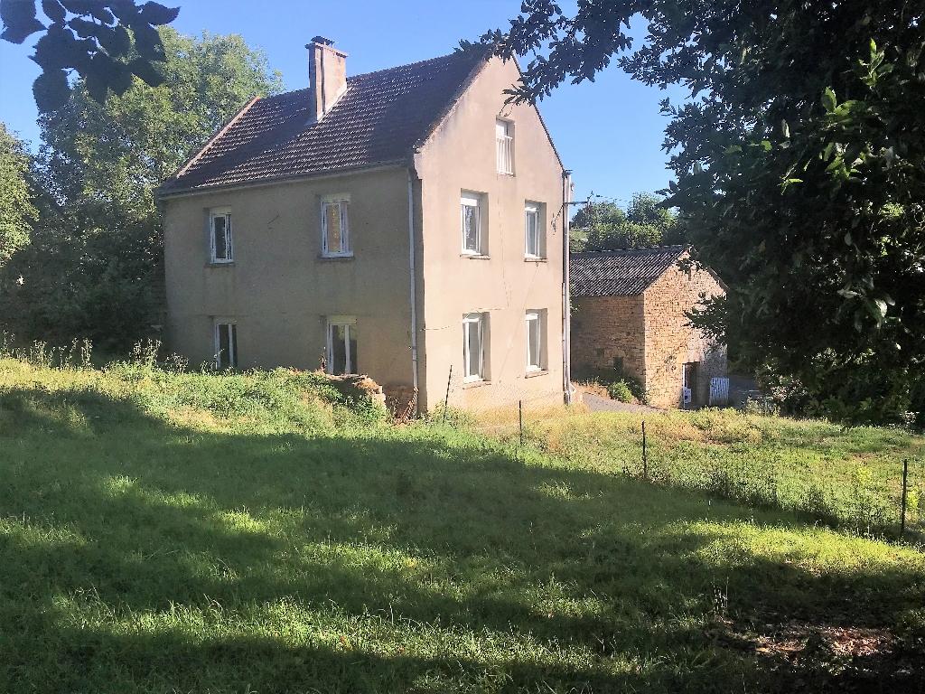 Maison en pierre Trois Monts 5 pièce(s) 100 m2 et dépendance