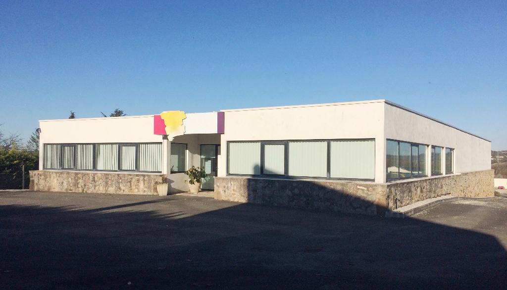 Local d\'activités 730 m² à vendre à ANGOULEME