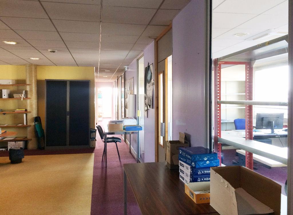 Bureaux 300 m² à louer à ANGOULEME