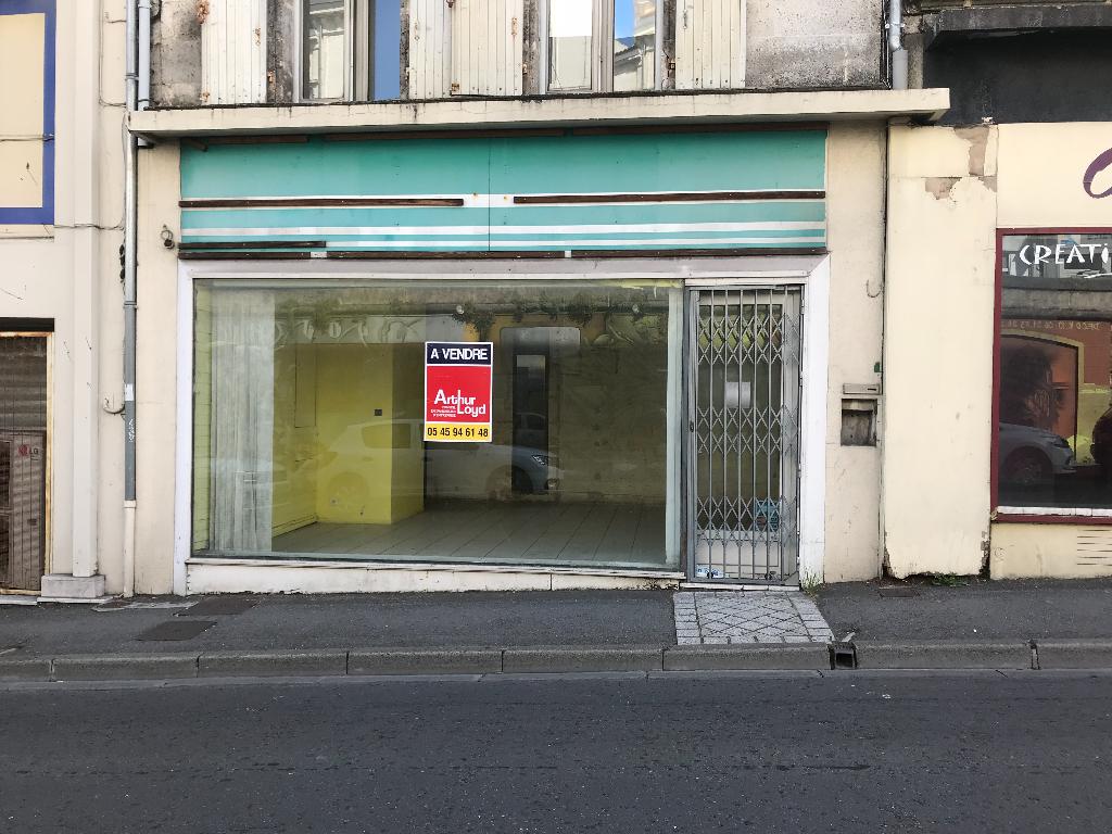 Local commercial 67 m² divibles à vendre à ANGOULEME