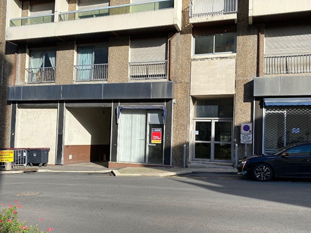 Local commercial ou professionnel 30 m² à vendre à ANGOULEME