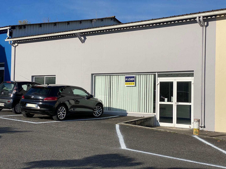 Bureaux 260 m² à louer L\'ISLE D\'ESPAGNAC