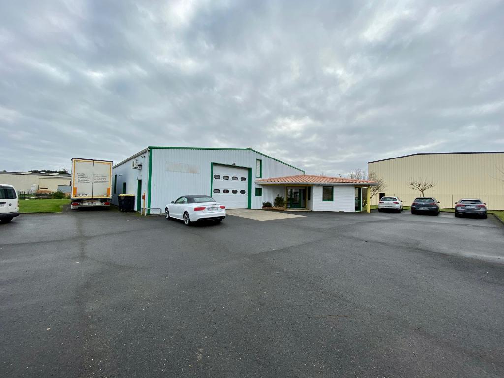 Local d\'activité 674 m² à louer à LA COURONNE
