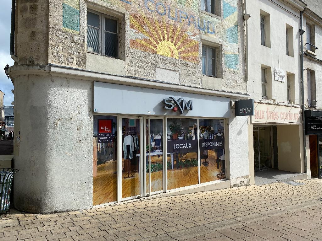 ANGOULEME (emplacement n°1) local commercial 150 m² à vendre