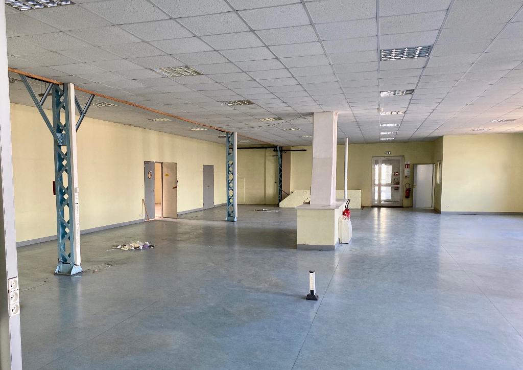 Gond Pontouvre local d\'activités 1200 m² à louer