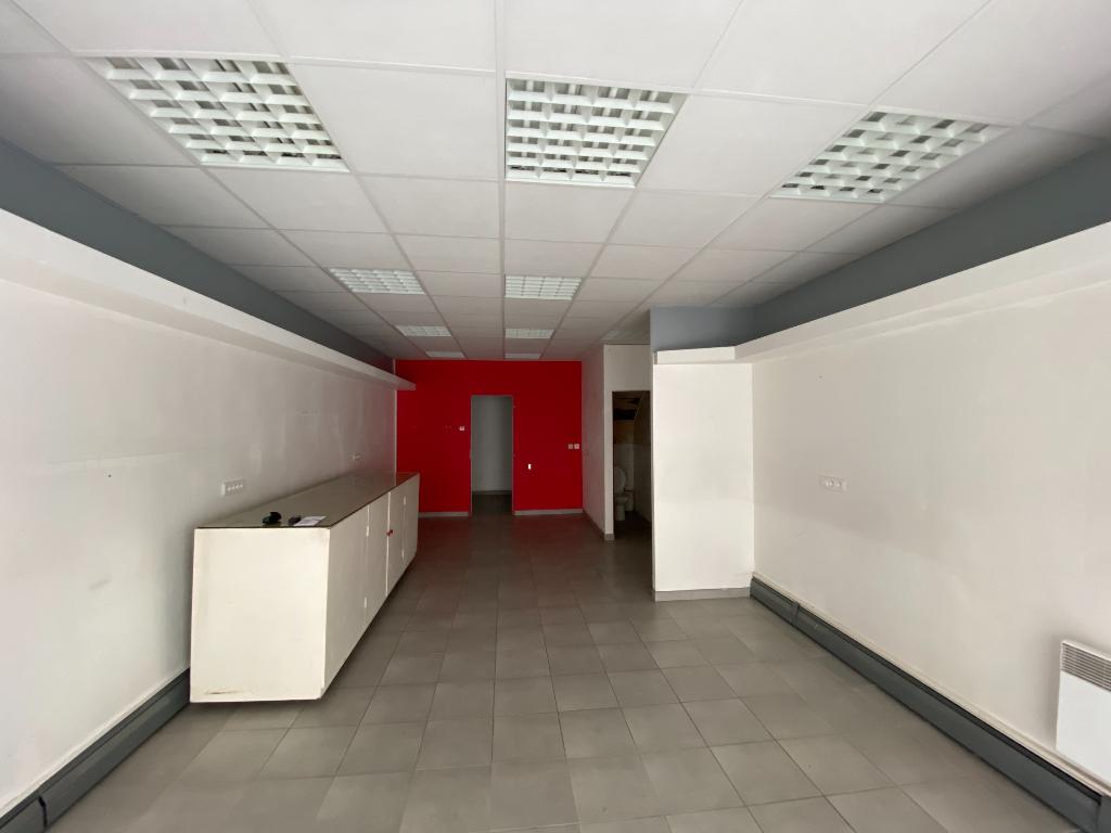 Local commercial 43 m²  à louer à ANGOULEME